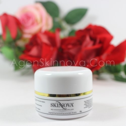 BRIGHTENING ILLUMINATING SUNSCREEN PINK SKINNOVA